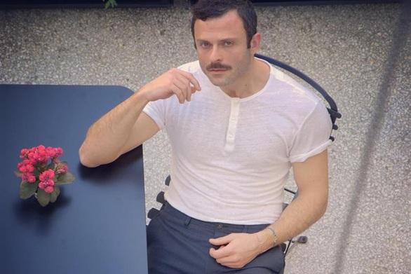 Πένθος για τον Πατρινό ηθοποιό Γιώργο Παπαπαύλου - Η ανάρτησή του
