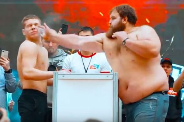 Φεστιβάλ... σφαλιάρας πραγματοποιήθηκε στη Ρωσία (video)