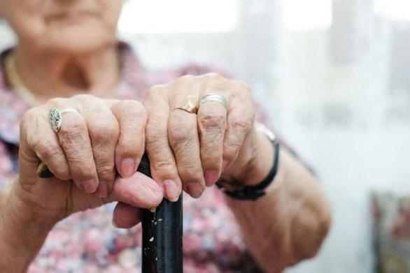 Μεσολόγγι - Άγνωστοι φίμωσαν και λήστεψαν ηλικιωμένη γυναίκα