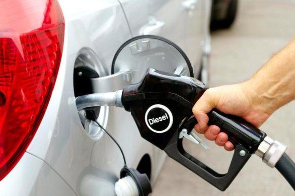 Το πρόβλημα που δημιουργείται στα αυτοκίνητα όταν βάζεις βενζίνη με το σταγονόμετρο
