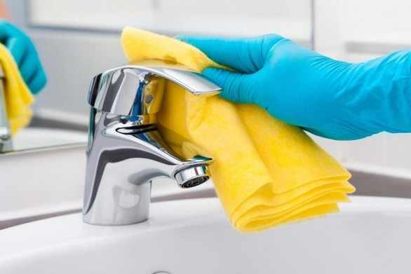 Οι γυναίκες περνούν 1,5 χρόνο από τη ζωή τους καθαρίζοντας