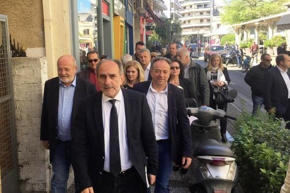 Ο Απόστολος Κατσιφάρας πραγματοποίησε περιοδεία στο Αγρίνιο (φωτο)