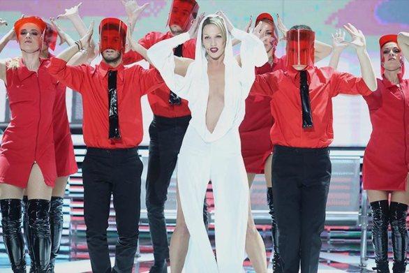 """YFSF: Η Στικούδη """"άναψε φωτιές"""" ως Kylie Minogue (video)"""