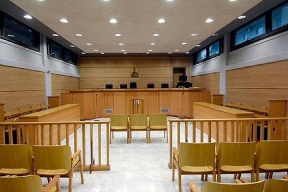 """Υπόθεση """"μαύρης χήρας"""": Στο δικαστήριο το όπλο του εγκλήματος"""