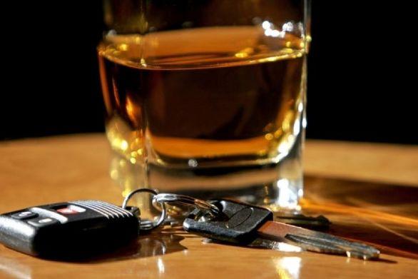 Μάστιγα η οδήγηση υπό την επήρεια αλκοόλ