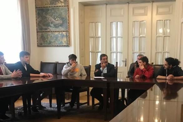 Ο Δήμαρχος Πατρέων πραγματοποίησε συνάντηση με αθλητές του σκέιτμπορντ