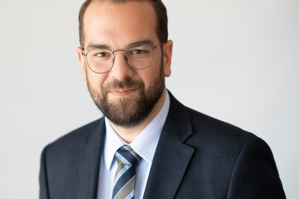 Νεκτάριος Φαρμάκης: «Ο απερχόμενος Περιφερειάρχης, όλο και πιο μόνος στο ρόλο του κυβερνητικού ανθύπατου»
