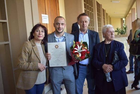 Ο Πατρινός πρωταθλητής Δήμος Ασημακόπουλος πήρε το πτυχίο του!