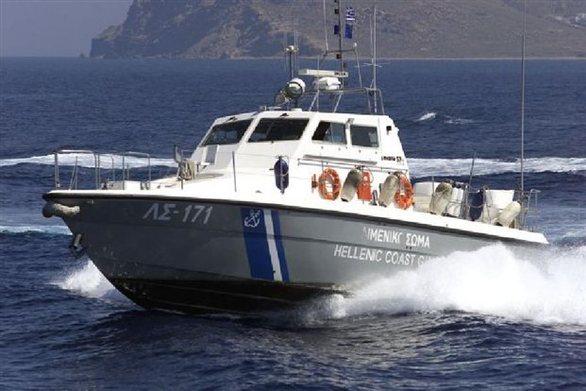 Προσάραξη σκάφους στο Αίγιο, με έναν αλλοδαπό επιβαίνοντα
