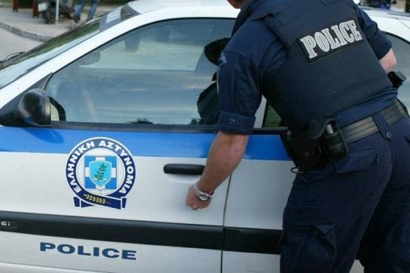Πάτρα: Νταλίκα προκάλεσε κυκλοφοριακό πρόβλημα στην οδό Παπαφλέσσα