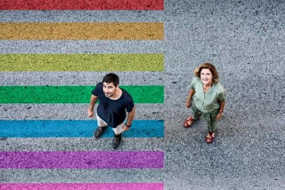 Το Χελιδόνι - Ένα βαθιά ανθρώπινο έργο στο Δημοτικό Θέατρο Απόλλων