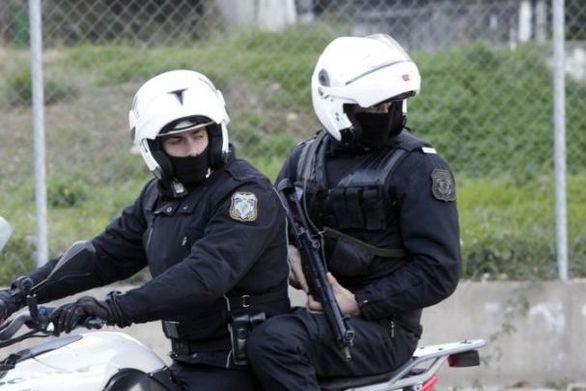Επίθεση σε ομάδα ΔΙΑΣ στα Εξάρχεια - Ένας αστυνομικός τραυματίας