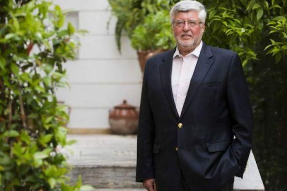 Πάτρα: O ευρωβουλευτής Α. Μαλλιάς στο εκλογικό κέντρο του Νεκτάριου Φαρμάκη