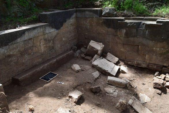 Μυτιλήνη: Αποκαλύφθηκε περίφημο ιερό κάτω από πέτρες