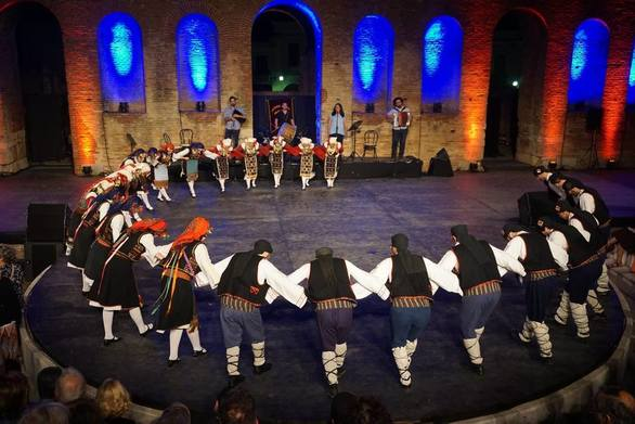"""""""Χορευτικό Πανόραμα 2019"""" - Ένα διήμερο μουσικοχορευτικών εκδηλώσεων στο Ρωμαϊκό Ωδείο της Πάτρας"""