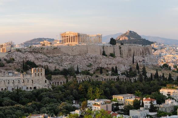 Η Le Figaro προβάλλει την «Αιώνια Αθήνα»