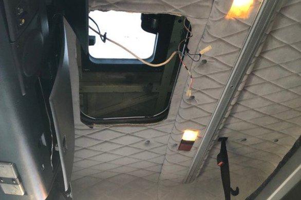 Πάτρα: Mετέφερε κρυμμένους αλλοδαπούς στο φορτηγό του
