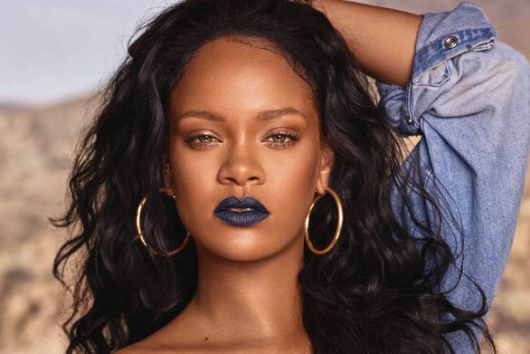 Η Rihanna μετακόμισε στο Λονδίνο!