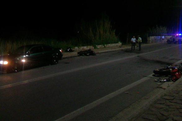 Λέσβος: Τρεις νέοι άνθρωποι σκοτώθηκαν σε μετωπική μοτοσικλετών (video)