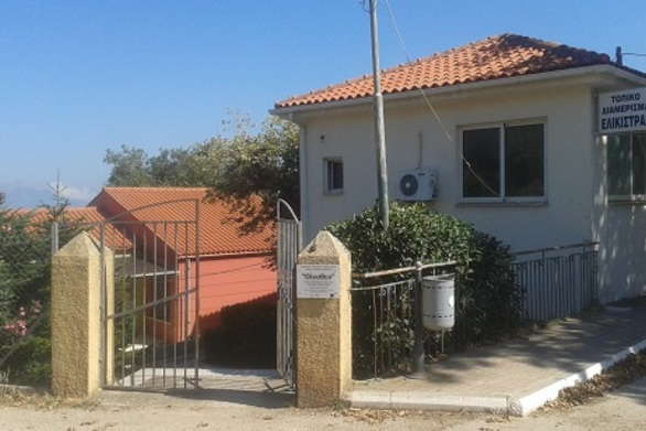 Πάτρα: Με δυσκολία η πρόσβαση των ΑμεΑ στο εκλογικό κέντρο της Ελεκίστρας (φωτο)