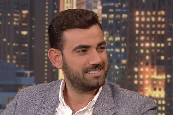 Ο Νίκος Πολυδερόπουλος θυμήθηκε τα πρώτα του βήματα - Πώς από το χωριό του στην Αχαΐα έφτασε στην Αθήνα (video)