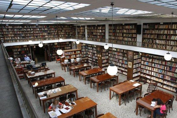 Το καλοκαιρινό ωράριο της Δημοτικής Βιβλιοθήκης Πατρών