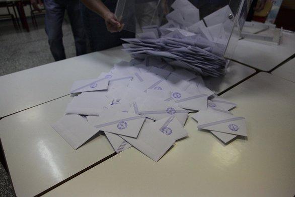 Δήμος Ερυμάνθου: Οι σταυροί στους συνδυασμούς Μπαρή και Κανελλόπουλου