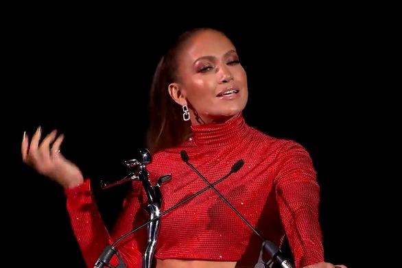 "H Jennifer Lopez έλαβε το βραβείο ""Fashion Icon"" (φωτο+video)"