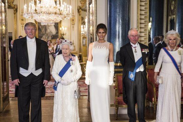 """Ντόναλντ Τραμπ: """"Φοβερός τύπος ο πρίγκιπας Χάρι"""""""