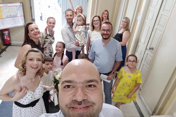 Πάτρα: Παντρεύτηκαν στο δημαρχείο ο Βασίλης Γκοτσούλιας και η Μαρία Ζαφειράκη (φωτο)