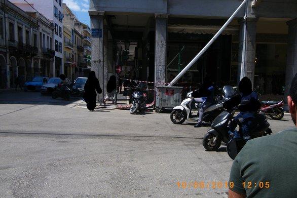 Πάτρα: Μία εβδομάδα πεσμένη, έκλεισε η κολόνα της τροχαίας στην Αγίου Νικολάου
