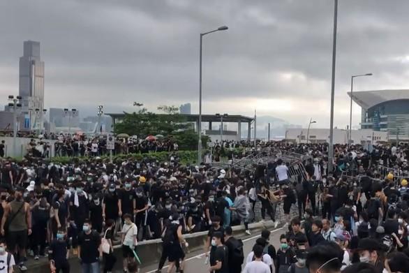 Ξεφεύγει η κατάσταση στο Χονγκ Κονγκ - Φόβοι για νέα επεισόδια