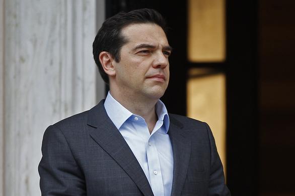"""Αλέξης Τσίπρας: """"Ζητώ συγγνώμη από όλο τον ελληνικό λαό για τις μετατάξεις"""""""
