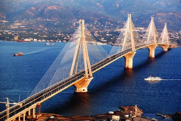 Πάτρα: Μπαίνει σε ισχύ η 10ωρη θερινή εκπτωτική κάρτα της Γέφυρας