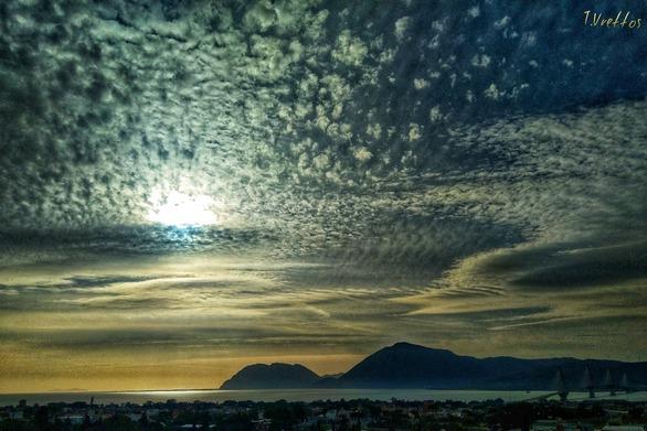 Με ζέστη αλλά και βροχές το τριήμερο στη Δυτική Ελλάδα