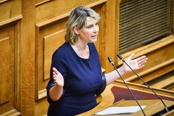 """Κατερίνα Παπακώστα: """"Το πρόγραμμα της ΝΔ είναι αυτό με το οποίο ηττήθηκε το 2015"""""""