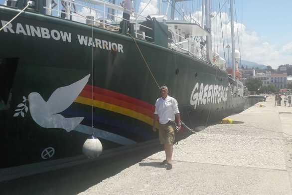 Το Rainbow Warrior έριξε άγκυρα στο παλιό λιμάνι της Πάτρας!