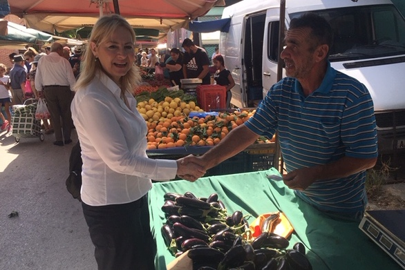 """Ευσταθία Γιαννιά: """"Η πολιτική της άγριας λιτότητας της σημερινής κυβέρνησης επέφερε καίριο πλήγμα στις λαϊκές αγορές"""" (φωτο)"""
