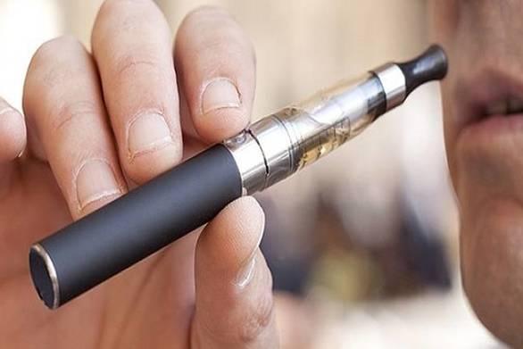 To ηλεκτρονικό τσιγάρο είναι το ίδιο επικίνδυνο με το συμβατικό