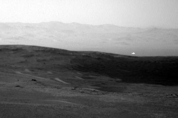 Μυστηριώδης λάμψη στον Άρη πυροδοτεί σενάρια για εξωγήινους