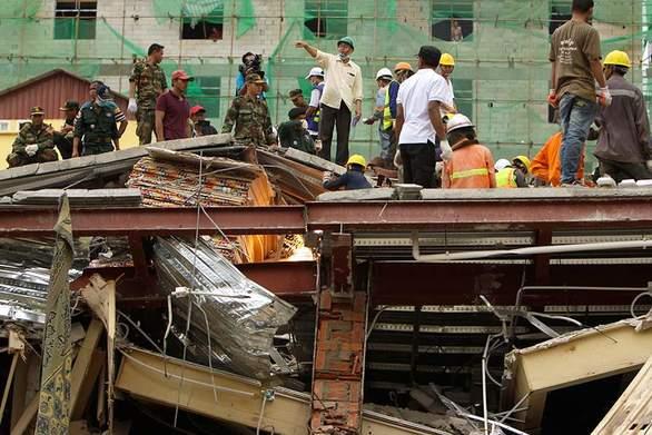 17 νεκροί από κατάρρευση επταώροφου κτιρίου στην Καμπότζη