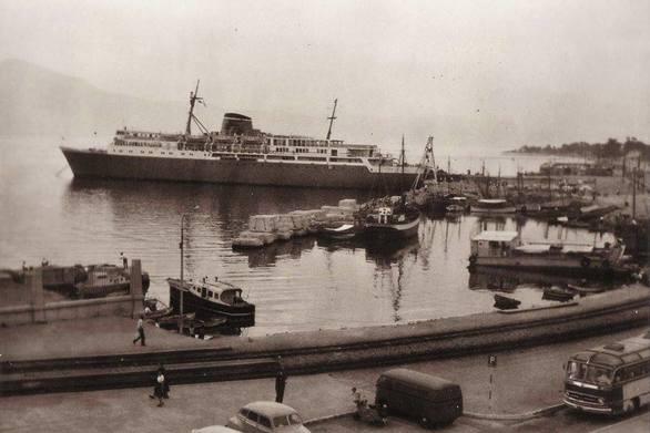 Στο λιμάνι της Πάτρας, το 1961!