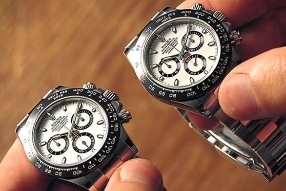 Συγκρίνοντας ένα αυθεντικό Rolex με μια απομίμηση αξίας 10 δολαρίων (video)