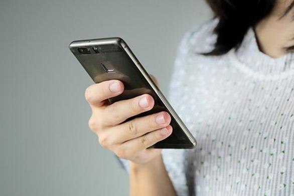 Η κακιά συνήθεια που καταστρέφει τη μπαταρία του κινητού τηλεφώνου