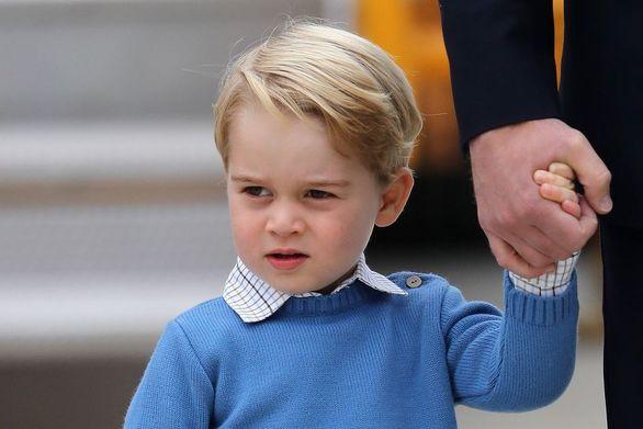 Ο πρίγκιπας Τζορτζ μαθαίνει τένις από τον... Ρότζερ Φέντερερ!