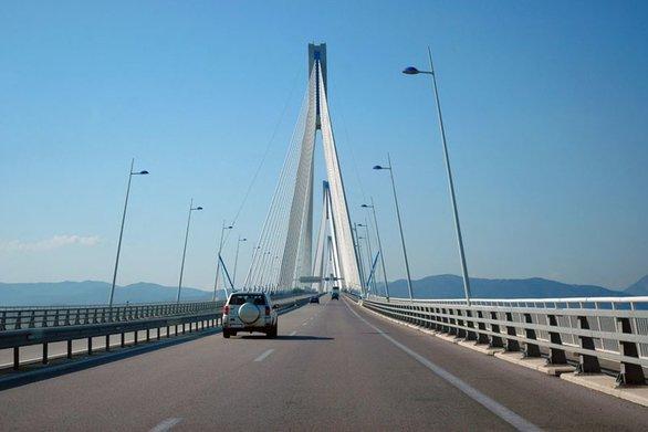 Γέφυρα Ρίου - Αντιρρίου: Χωρίς διόδια μέχρι το πρωί της Δευτέρας