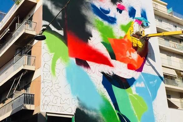 Πάτρα - Γεμίζει με χρώματα η Κορίνθου (φωτο)