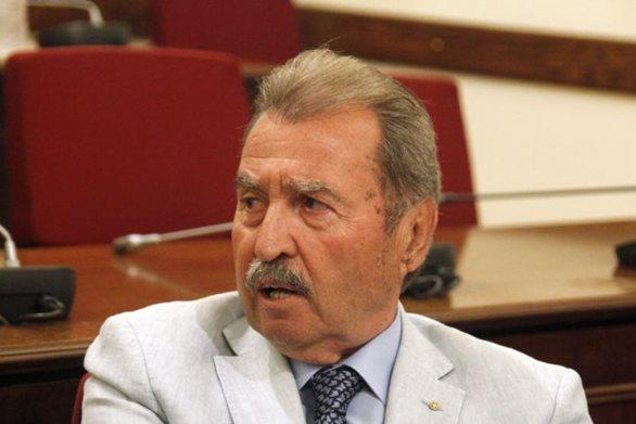Την έδρα στη Β΄Αθηνών κρατά ο Μητσοτάκης - Στη Βουλή μπαίνει ο Τραγάκης