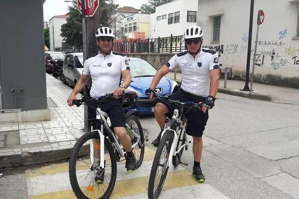 Από μέρα σε μέρα στους δρόμους της Πάτρας οι αστυνομικοί - ποδηλάτες