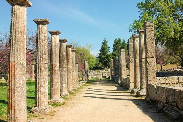 Ηλεία: Λιποθύμησαν τουρίστριες στην Αρχαία Ολυμπία - Δείτε βίντεο